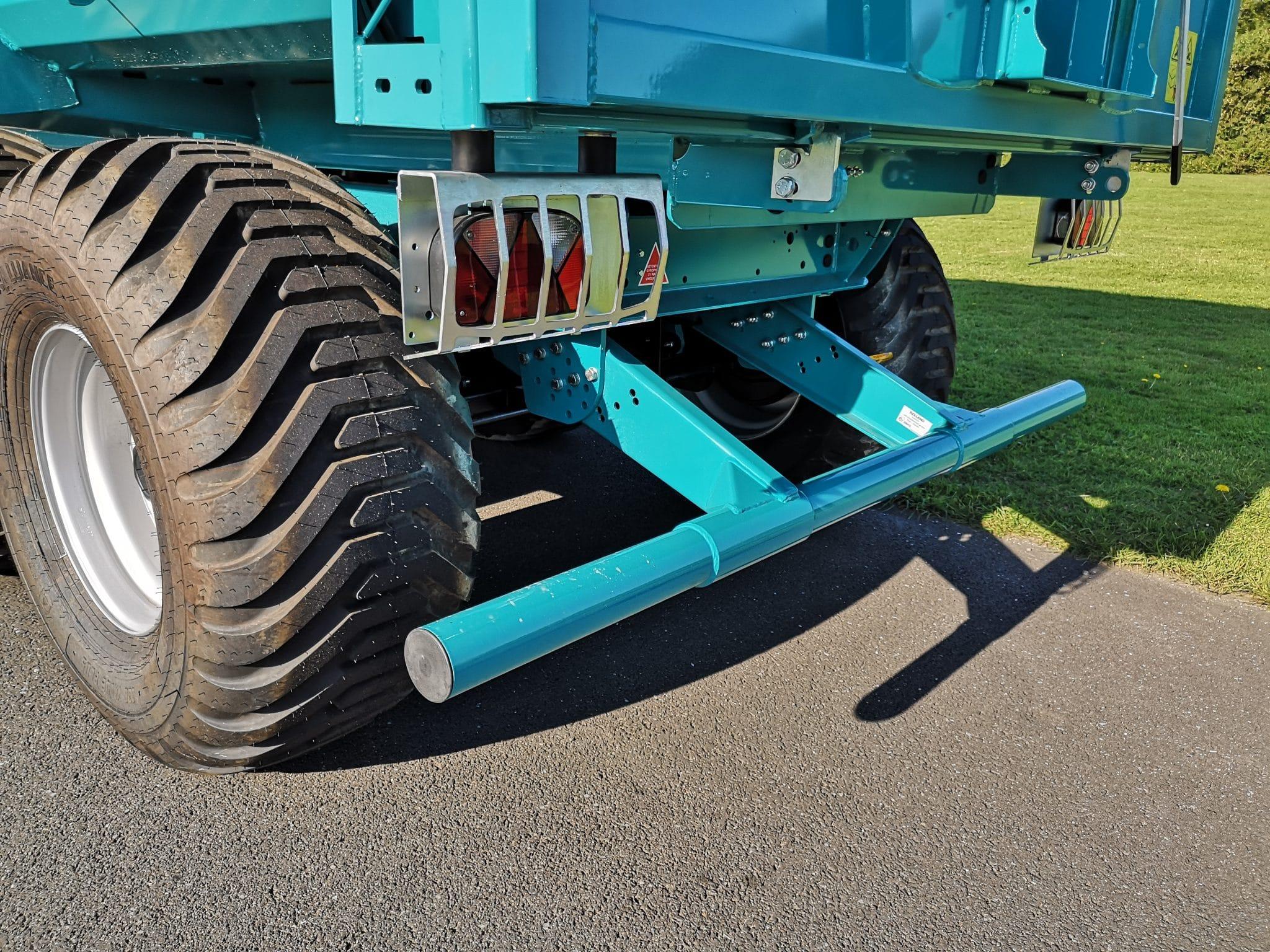 Barre anti-encastrement sur Rollfarm 5025 R-Series